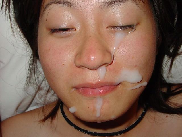 彼女の顔に初顔射www困惑する彼女の顔を記念に写メりました。 21655