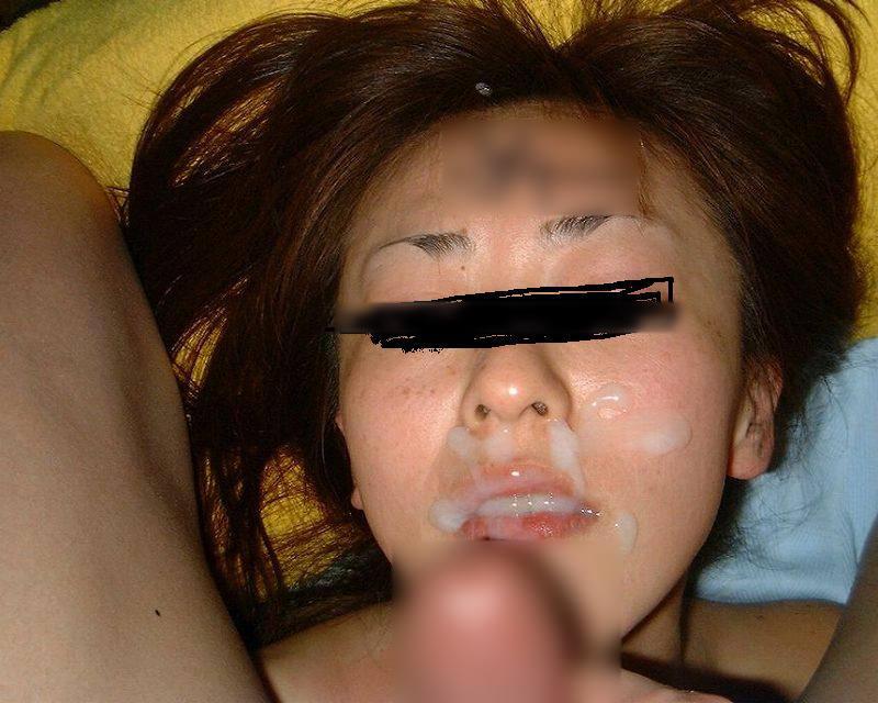 彼女の顔に初顔射www困惑する彼女の顔を記念に写メりました。 21657