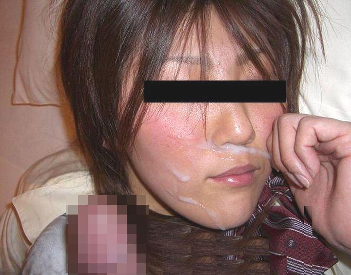 彼女の顔に初顔射www困惑する彼女の顔を記念に写メりました。 21661