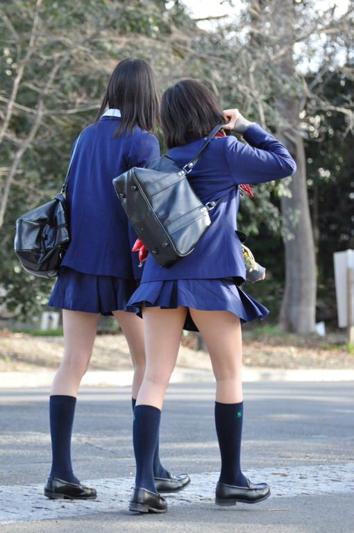 女子高生は50%太ももで出来ていると言う証拠画像がこちらwwwwwwwww 5f3hu0W