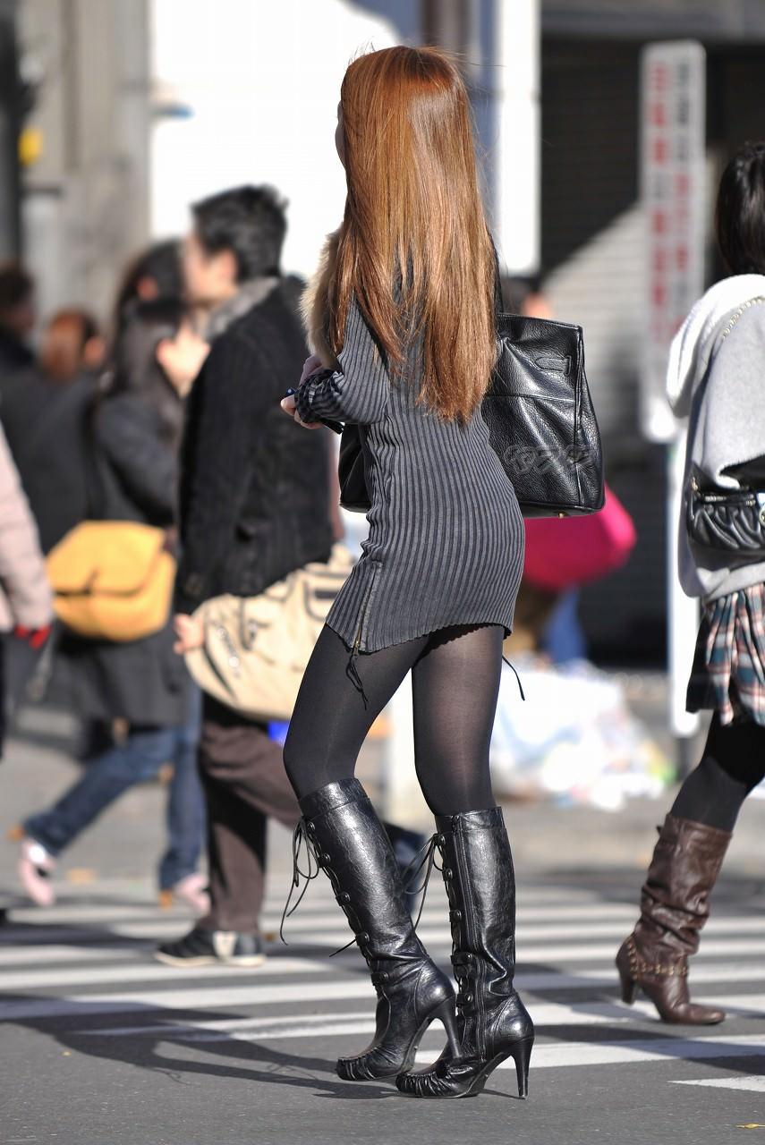 黒いパンスト履いてるエロギャル画像!!!!マジでエッチだぁーwww 8VxUoYM