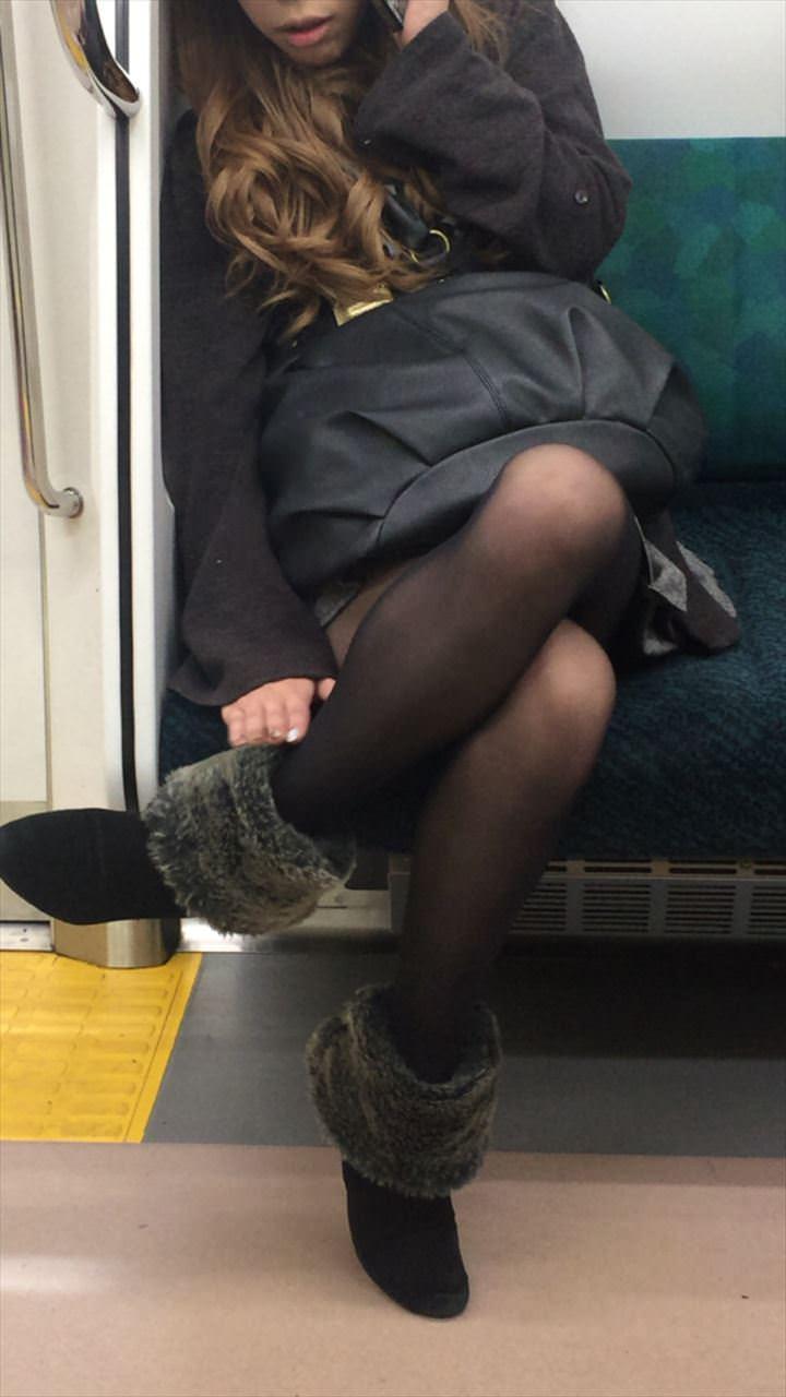 黒いパンスト履いてるエロギャル画像!!!!マジでエッチだぁーwww AZhaCBs