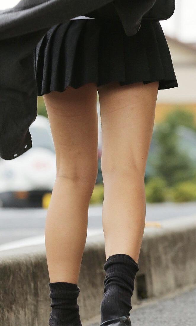 女子高生は50%太ももで出来ていると言う証拠画像がこちらwwwwwwwww E3hy12B