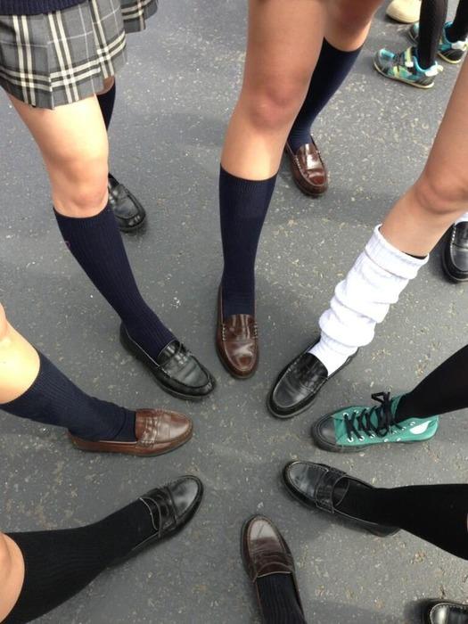 女子高生の足首あたりにめっちゃ興奮するフェチ画像 ILrePyQ
