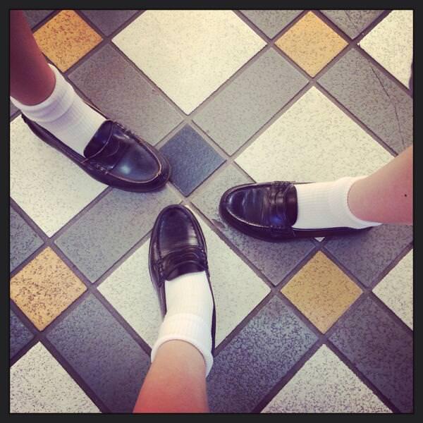 女子高生の足首あたりにめっちゃ興奮するフェチ画像 QHHxvNt