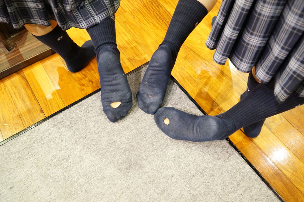 女子高生の足首あたりにめっちゃ興奮するフェチ画像 WxyAzwq