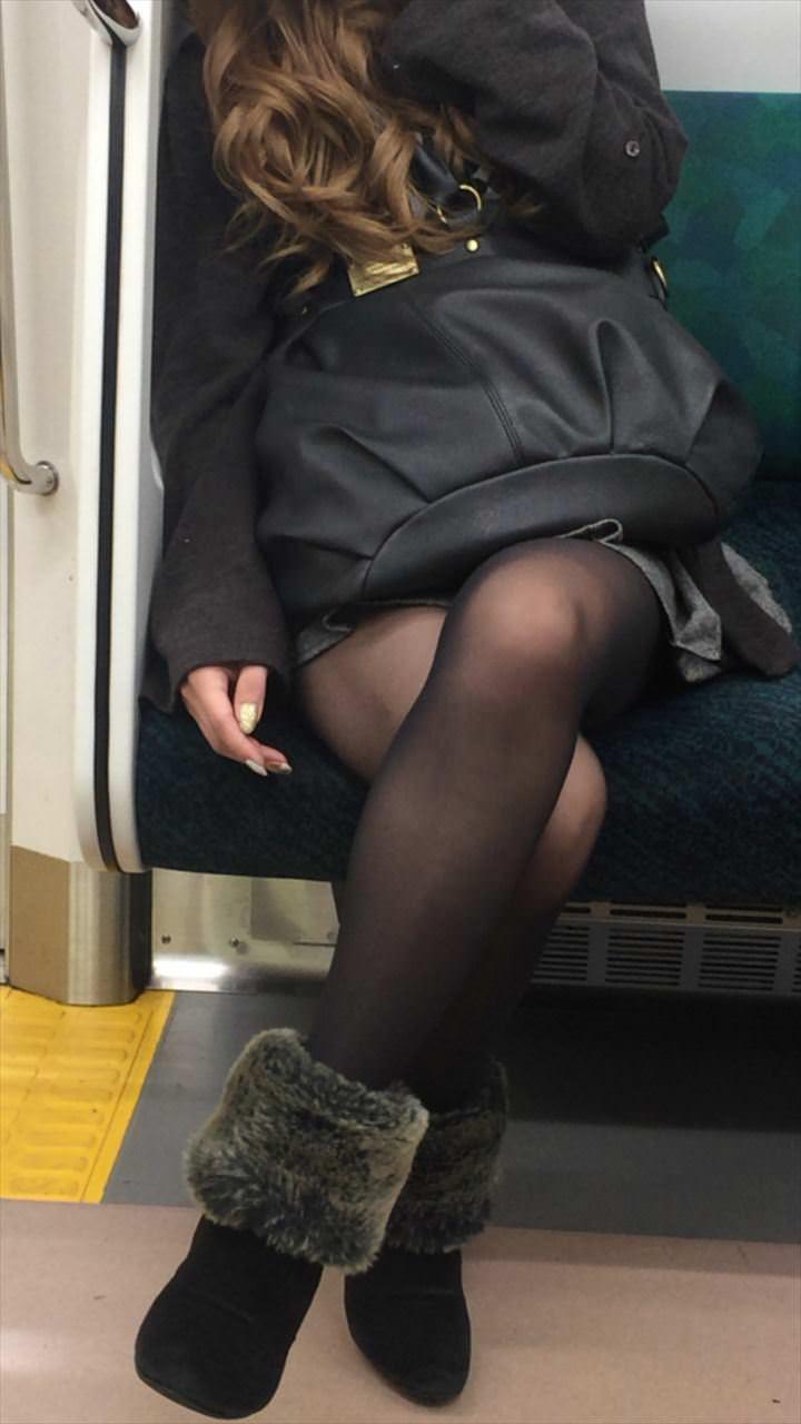 黒いパンスト履いてるエロギャル画像!!!!マジでエッチだぁーwww izOi5TO