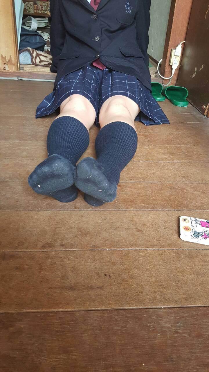 女子高生の足首あたりにめっちゃ興奮するフェチ画像 tf2NwtT