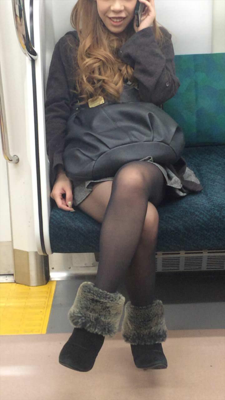 黒いパンスト履いてるエロギャル画像!!!!マジでエッチだぁーwww ymaBdYN