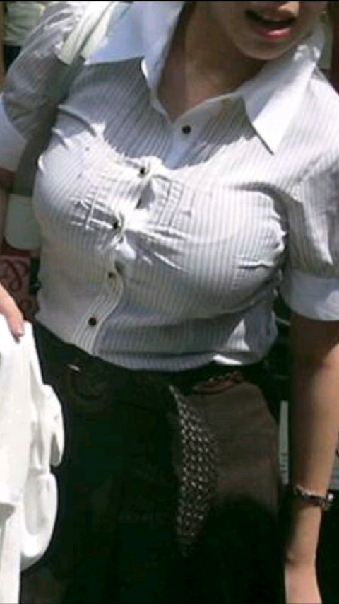 街で出くわした反則級の巨乳着衣おっぱいお姉さんを街撮り!!! 0922