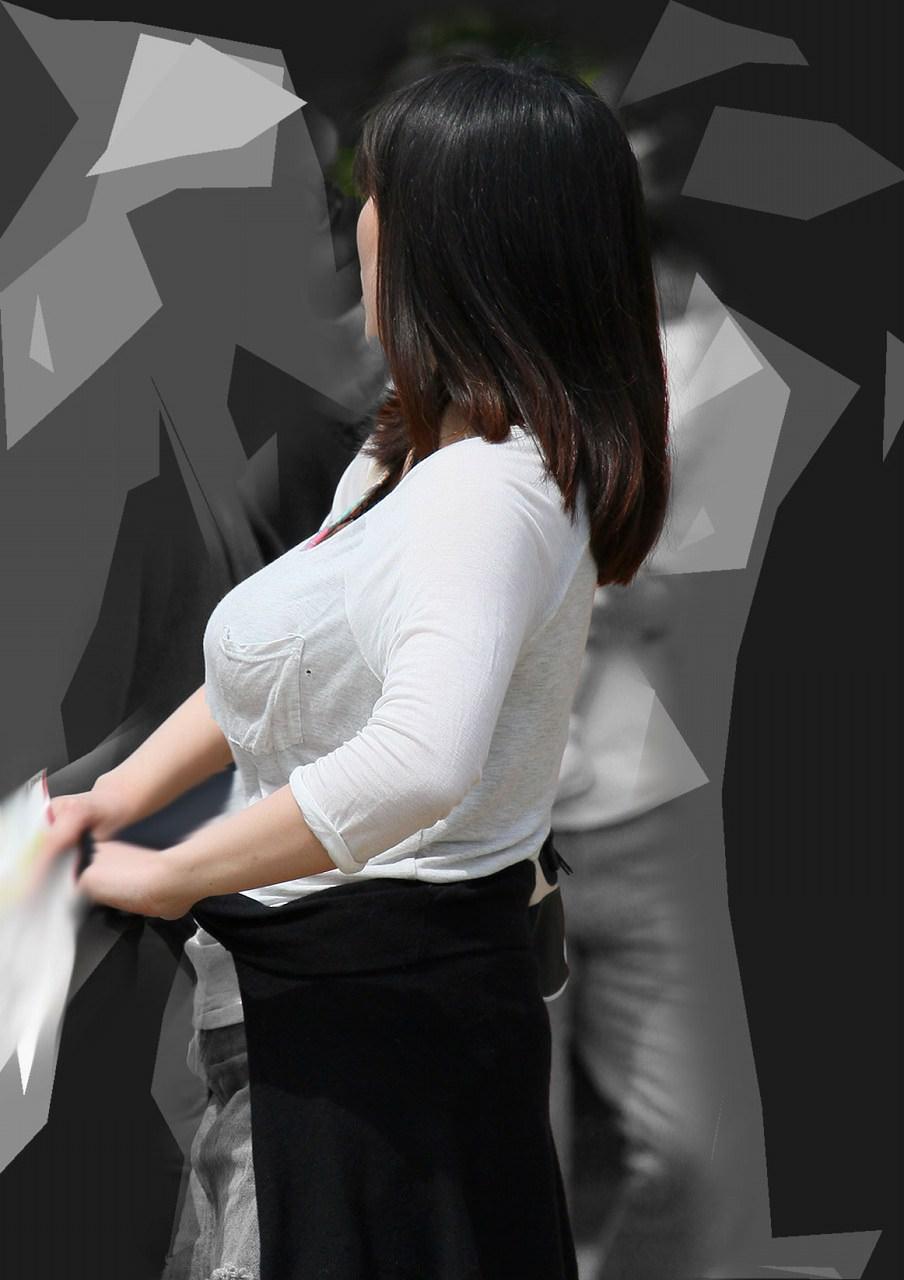 街で出くわした反則級の巨乳着衣おっぱいお姉さんを街撮り!!! 0937