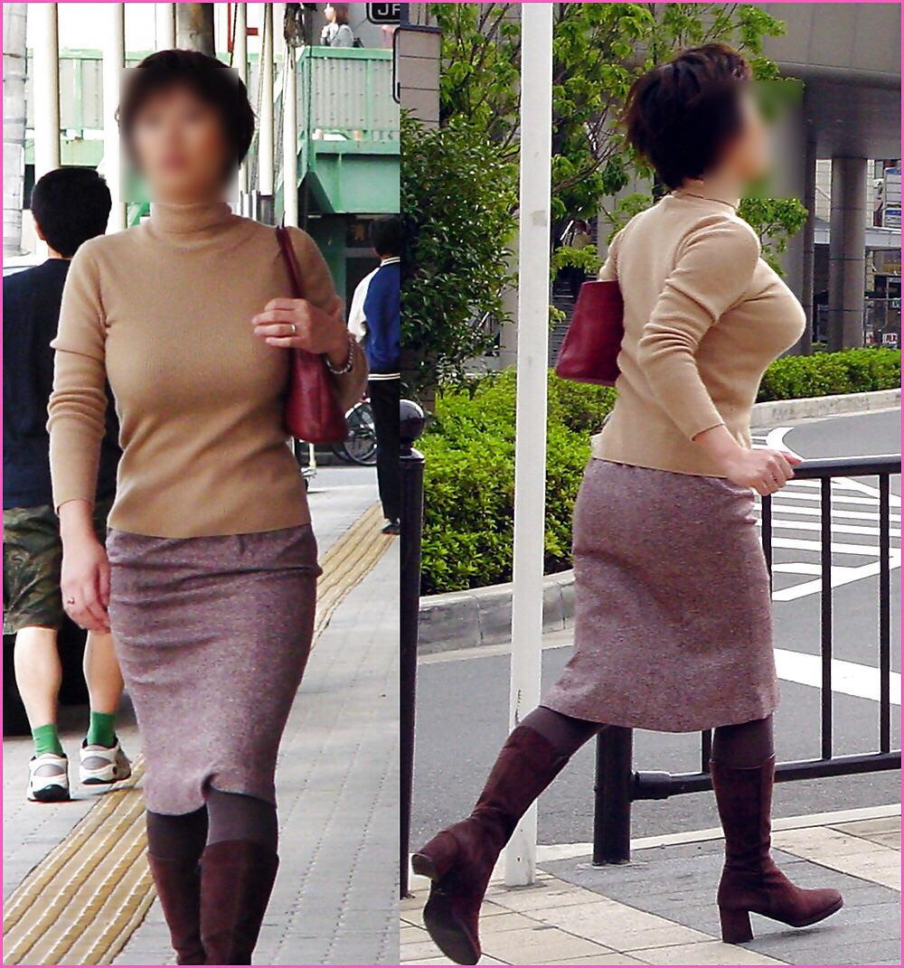 街で出くわした反則級の巨乳着衣おっぱいお姉さんを街撮り!!! 0941