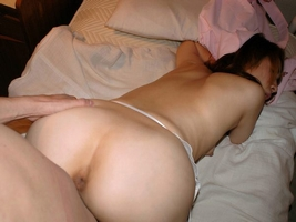 後背位アングルで奥さんハメ撮りwwwバックでパコる家庭のセックス流出画像www