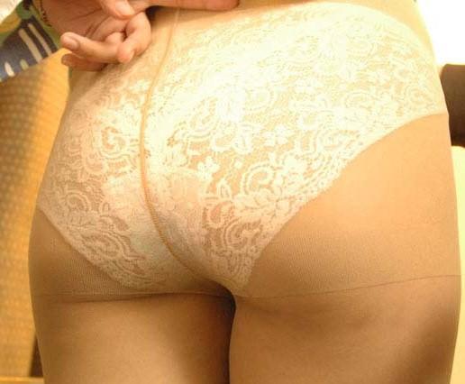 脱がす前の彼女の下着姿がマジでエッチだぁーwwwクンカクンカ匂うのがタマランチwww 1740