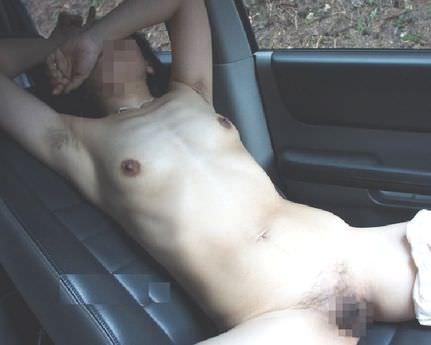 カードライブ中に突然セックスしたくなるよな~www峠道とか最高のカーセックスポイント!! 18195