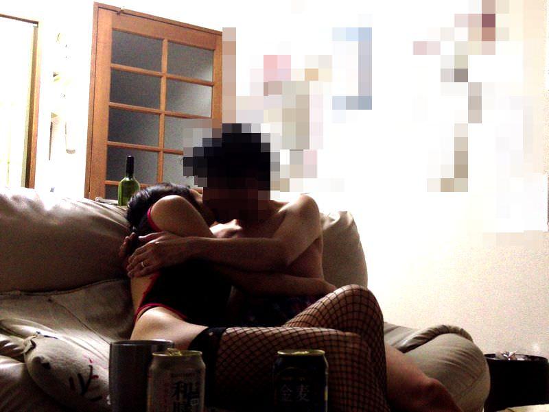 ワイ、出張中に家に隠しカメラ設置!!奥さん、自宅に間男呼んで過激セクロス実施wwwwwww 2801