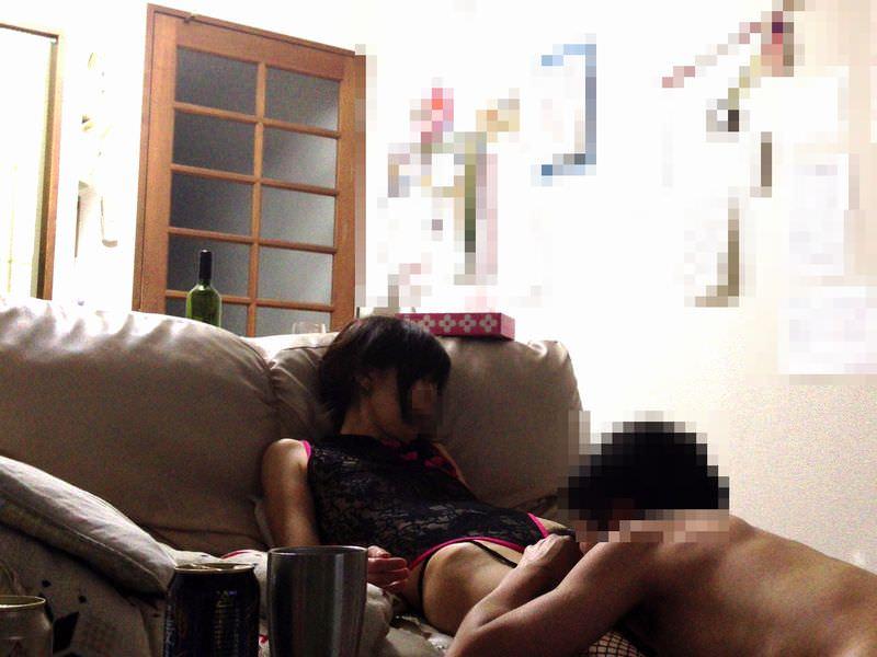 ワイ、出張中に家に隠しカメラ設置!!奥さん、自宅に間男呼んで過激セクロス実施wwwwwww 2813