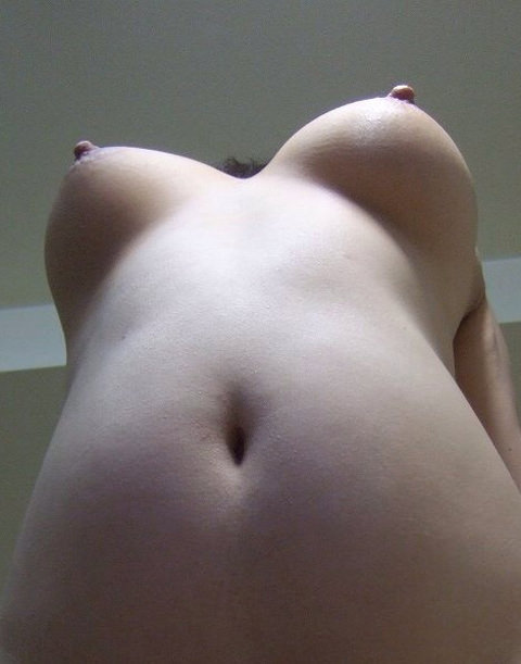 ローアングルから撮った下乳おっぱいが想像以上にエロすぎたwwwww 3104