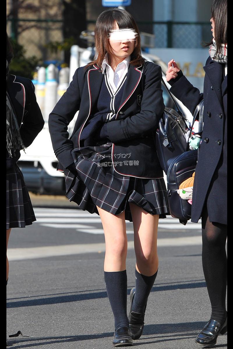 季節の変わり目にJKの制服姿が変化する街撮り画像wwwwwww GqMjzHR