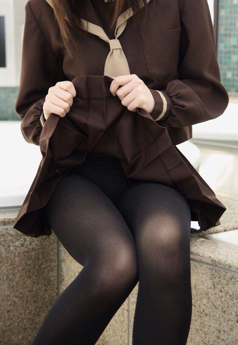 ストッキングを履く女の子について熱く語ろう。 Lxb4JIZ