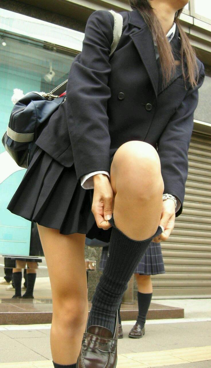 若くて元気な女子高生がはしゃぐ姿はどれも可愛いです。 WtyDv8v