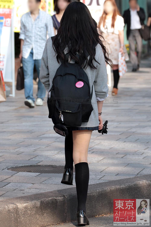 季節の変わり目にJKの制服姿が変化する街撮り画像wwwwwww Yilz7Q2