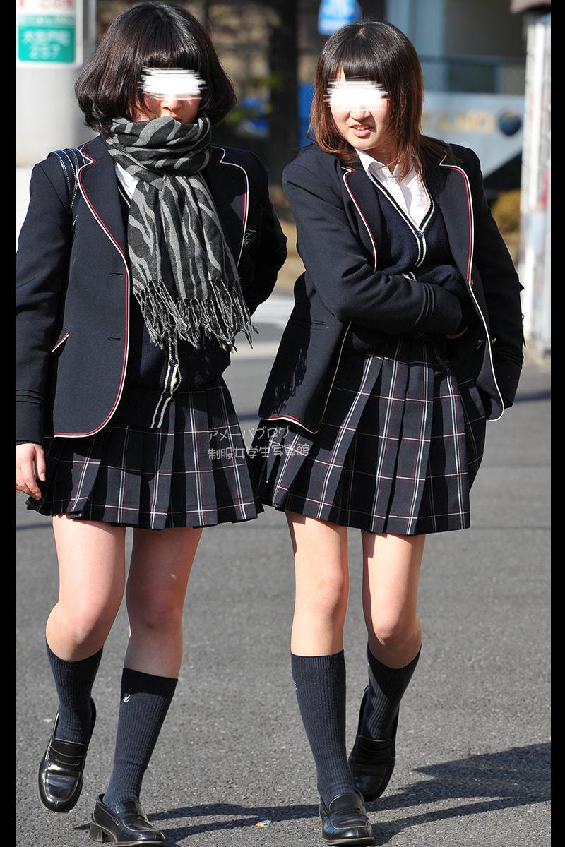 季節の変わり目にJKの制服姿が変化する街撮り画像wwwwwww nv3kz7v