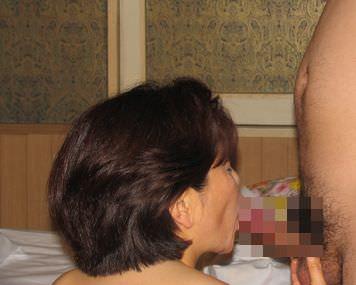 ジュルジュル音立てて舐め回す素人のバキュームフェラ画像wwwww 0259