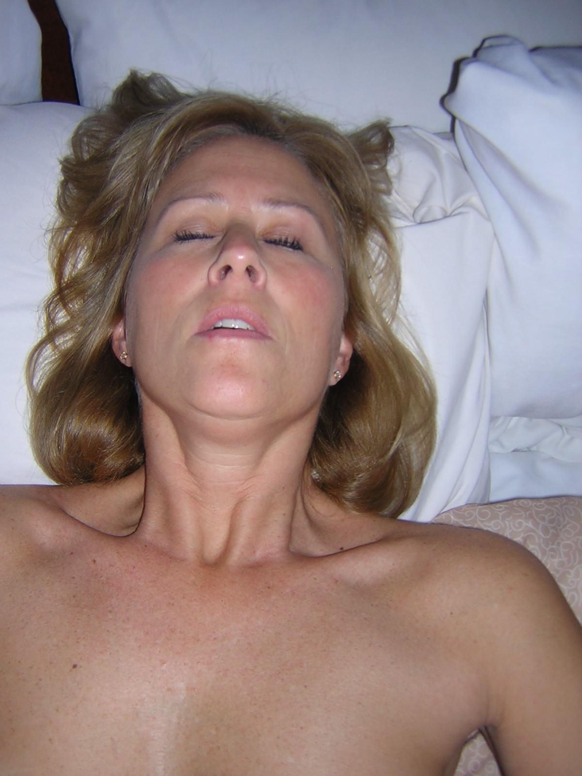 外人美女がセックスでアクメ顔wwwイッちゃってる顔がエロ可愛いwww 0615