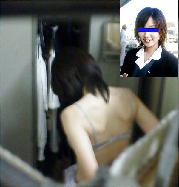 好きな同僚OLの裸が見たくて会社の更衣室をガチ盗撮wwww 0694