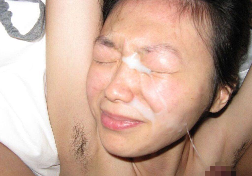 素人カップルのプライベートハメ撮り画像www恥ずかしそうな彼女の表情が最高だぁーwww 0527