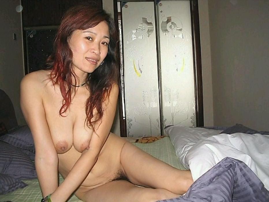 40代熟女のエチエチすぎる裸体wwwフルボッキしすぎて金玉痛いwww 1541