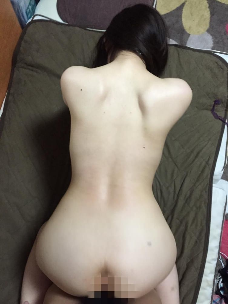 美尻自慢の若妻のお尻をじっくり堪能wwwメインディッシュに挿入ハメ撮りwwww 23134