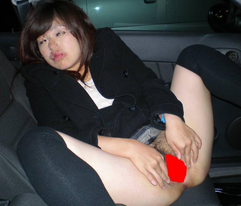 普通の女の子も遊びたいwww出会い系活用してカーセックスしちゃう素人娘www 23157