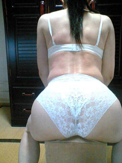 彼女に着てもらいたい下着の色ナンバーワンは純白に決定!!! 23255