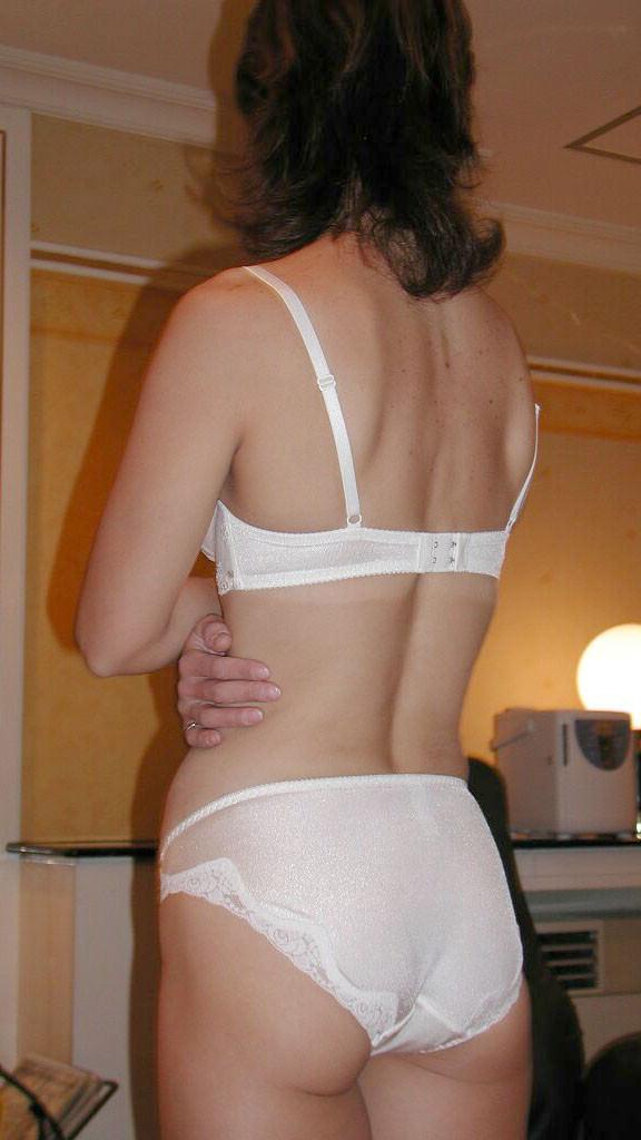 彼女に着てもらいたい下着の色ナンバーワンは純白に決定!!! 23257