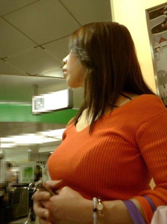 はち切れんばかりの着衣おっぱい!!!お姉さんのビッグ巨乳街撮り画像www 23376