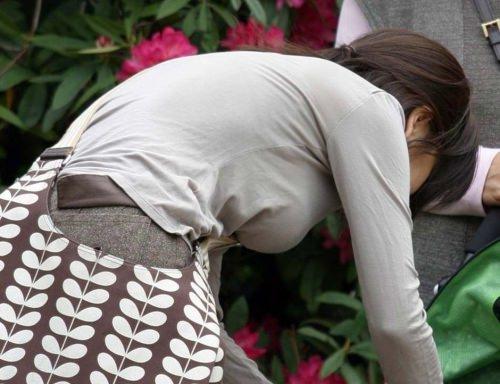 はち切れんばかりの着衣おっぱい!!!お姉さんのビッグ巨乳街撮り画像www 23394