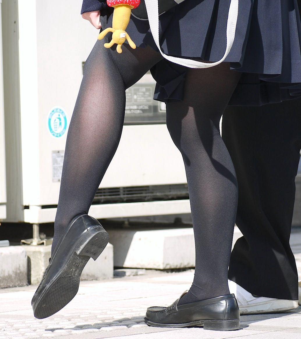 JKの履く蒸れたストッキングのエロさを教えてくれwwwwwwww 9JYXbhZ