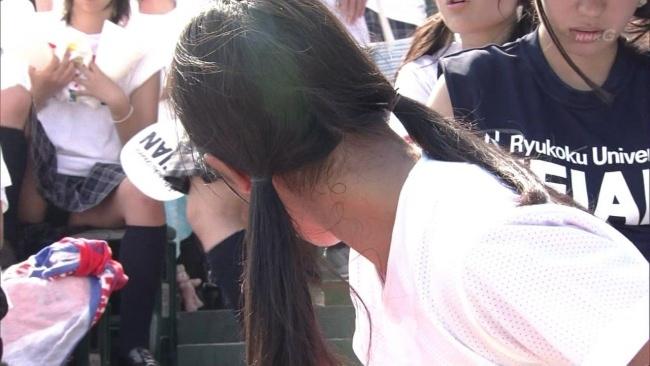 チアだけじゃない、野球大会応援してるJKだってパンチラ透けブラしまくってんぞぉーwwwww Of0aaNu