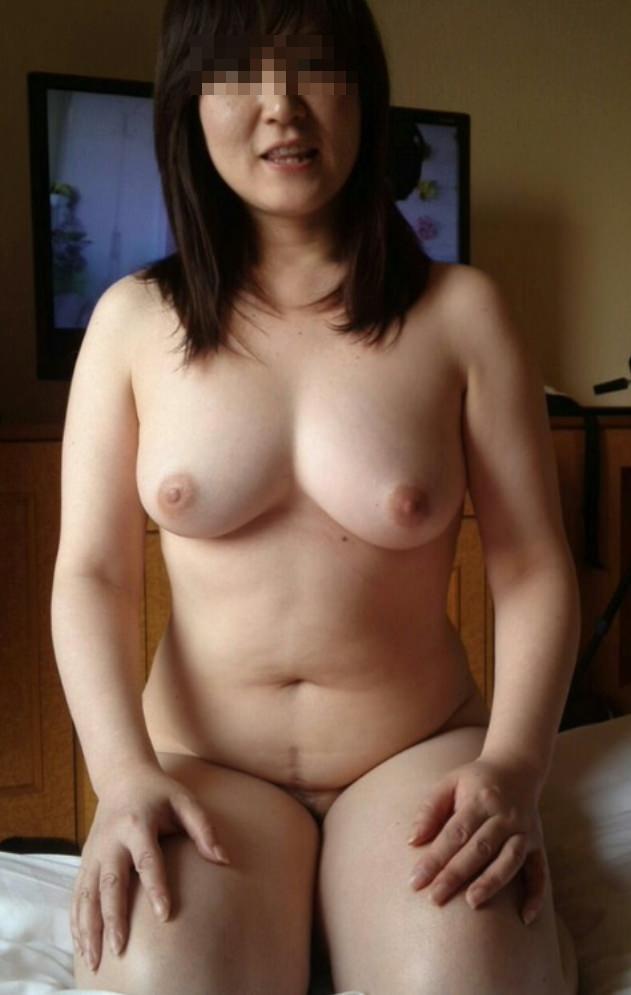 こういう肉厚ジューシな人妻の巨乳おっぱいが欲しいですwwwwwww 1201