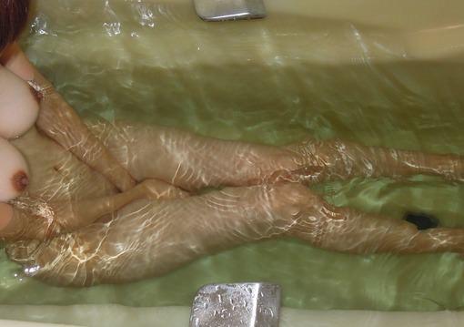 ラブホのお風呂でいちゃつくカップル!!彼女のヌード写メがネット流出www 1747