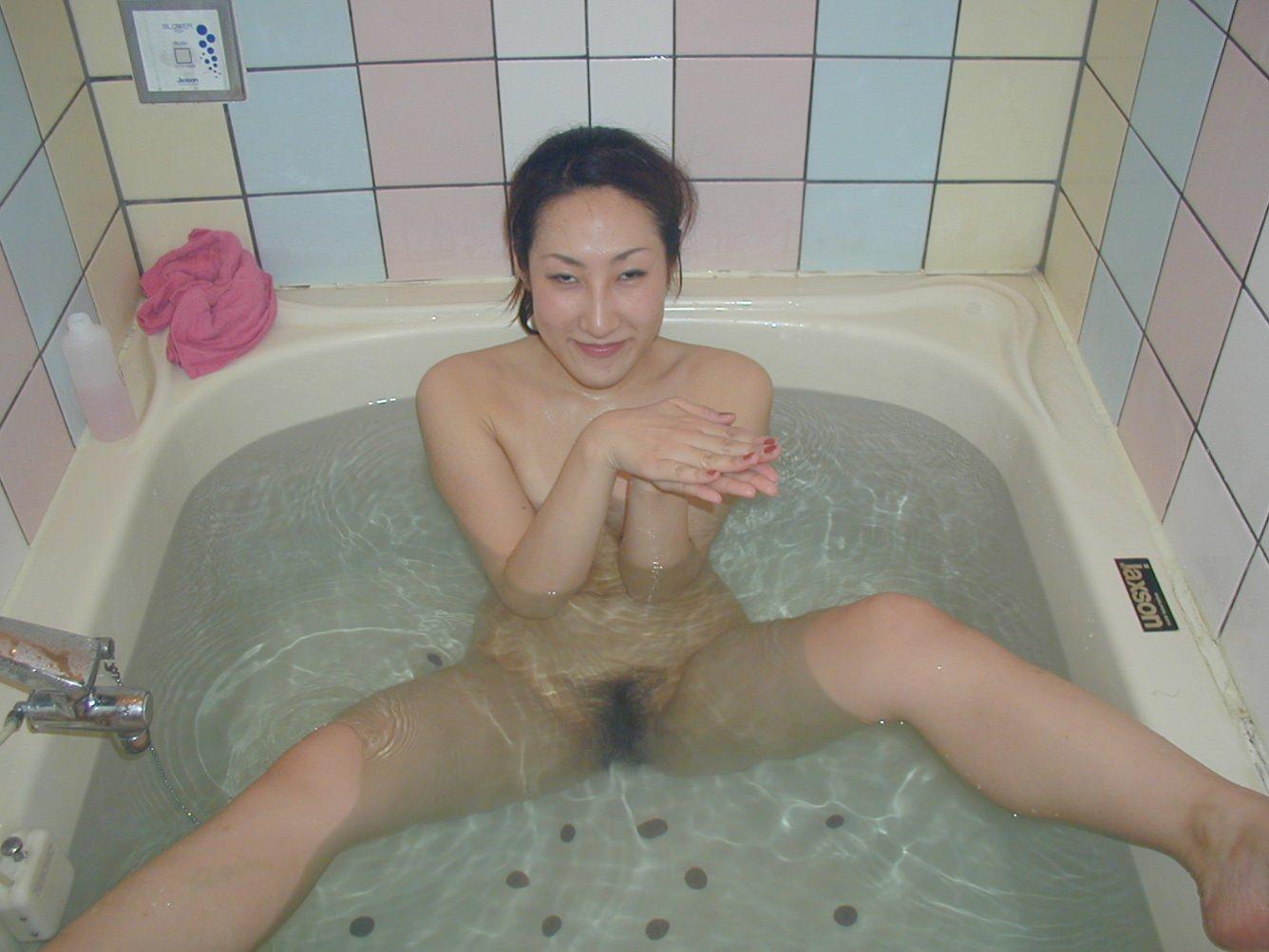 ラブホのお風呂でいちゃつくカップル!!彼女のヌード写メがネット流出www 1765
