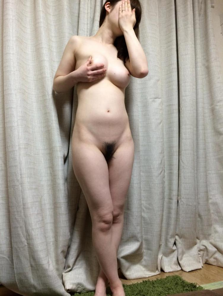 裸でいちゃつく素人カップルが俺たちにおかずを提供してるエロ画像!!! 27111