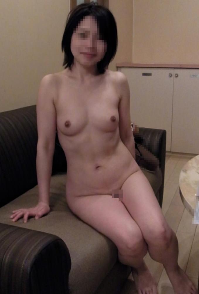 裸でいちゃつく素人カップルが俺たちにおかずを提供してるエロ画像!!! 27115