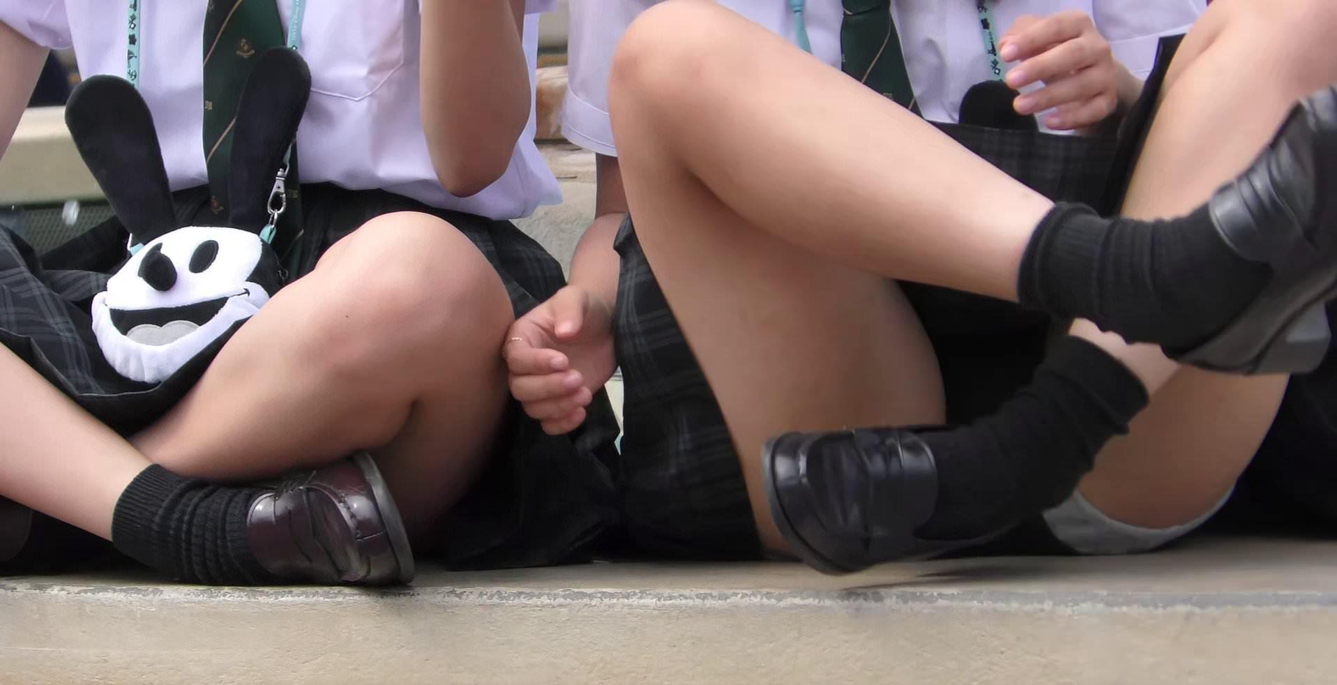 子供から大人になりかけの無防備なJK画像wwwwwwww Ti3cMQy