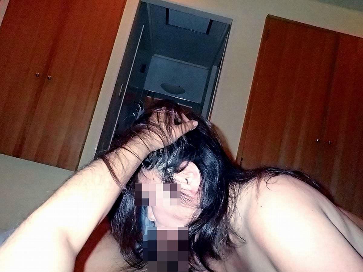 40代熟女のフェラチオが濃厚でチンポコギンギン!!興奮しすぎて思い出にエロ写メ撮ったぞ!!!! 0507