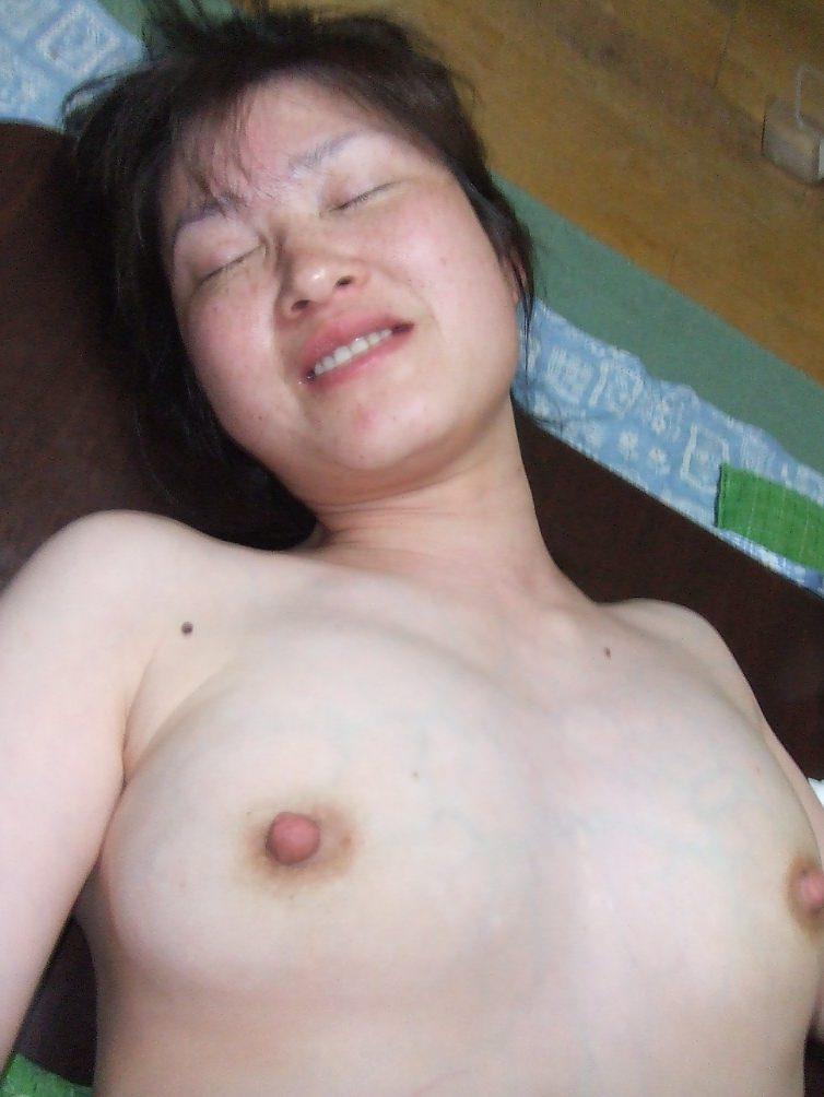 30代人妻が旦那のチンポが気持ち良すぎてよがってるぞぉーwwwアクメ顔セックス最高にエロいぜぇーwww 2127