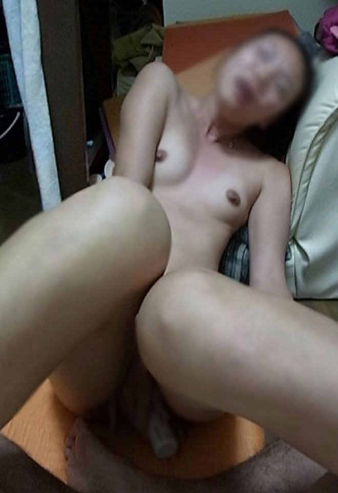 30代人妻が旦那のチンポが気持ち良すぎてよがってるぞぉーwwwアクメ顔セックス最高にエロいぜぇーwww 2158