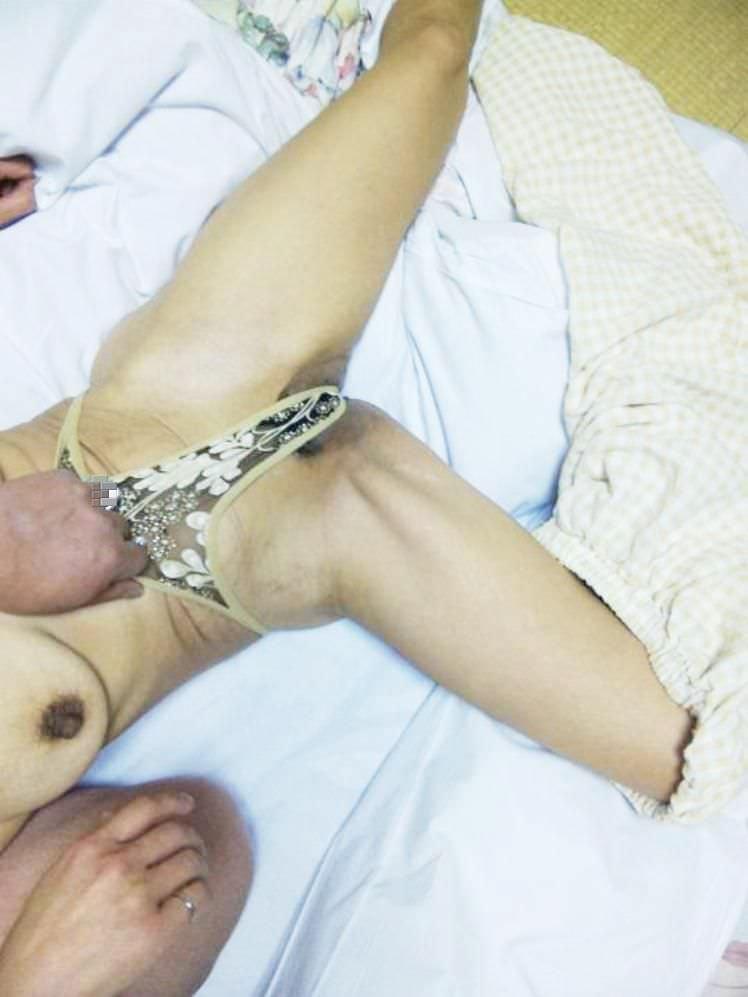 孕ませたくなるドスケベな下着した人妻のエロ画像wwwwwwwwww 2356